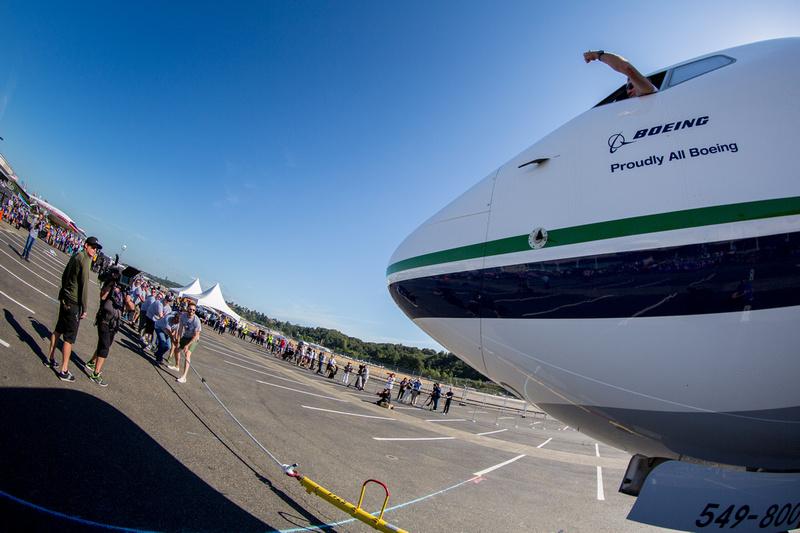 Alaska Airlines plane pull!
